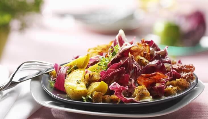 Radiccio-Salat mit Thymian-Äpfeln Rezept von Elbe-Obst aus dem Alten Land